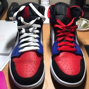 Air Jordan 1 mid top 3